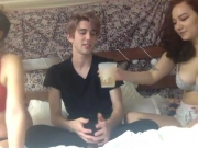 hot-college-amateur-threesome-1