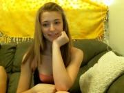 hot-girl-suck-big-cock-on-webcam-2